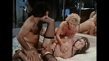 Ron Jeremy Threesome With Sexy Ladies