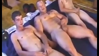 Gym Buddies - Amateur basement gym sex