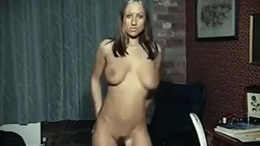 *Vintage naked dancer*Anyone know her name?