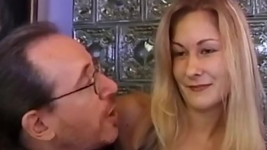 Young retro czech babe facialized by oldguy