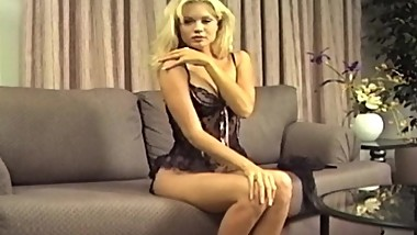 VINTAGE BLONDE IN STOCKINGS