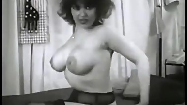 1950s Big Breasted Women