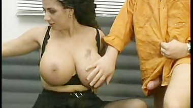 MEGA BOOBS : TIZIANA REDFORD