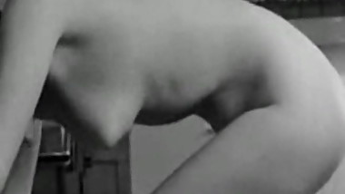 Vintage naked housewife in the kitchen - Cherry flip
