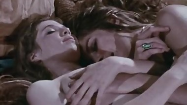 The Love Garden 1971 Lesbian Scene (Barbara Mills,Linda York)