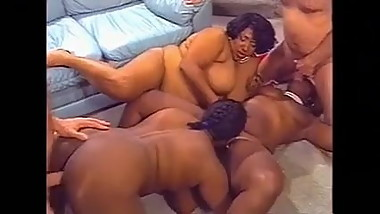BBW GROUP SEX PARTY (VINTAGE)
